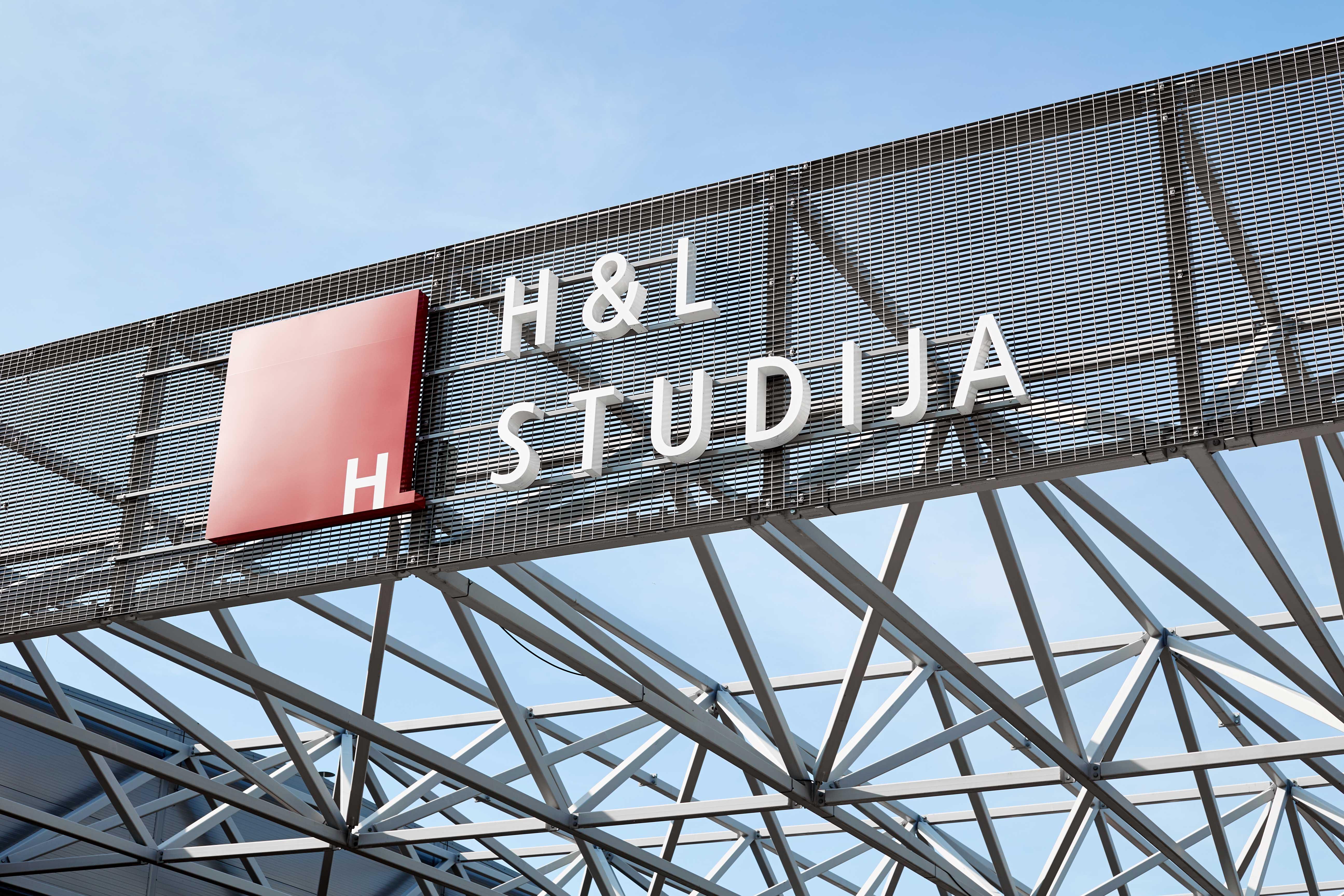 flizes logi HL studija Riga Liepaja